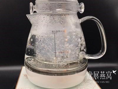 燕窝炖煮时很多气泡